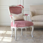 Great Reasons to Invest in Vintage Style Furniture