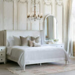Using French Country Bedroom Furniture For a Luxurious Home